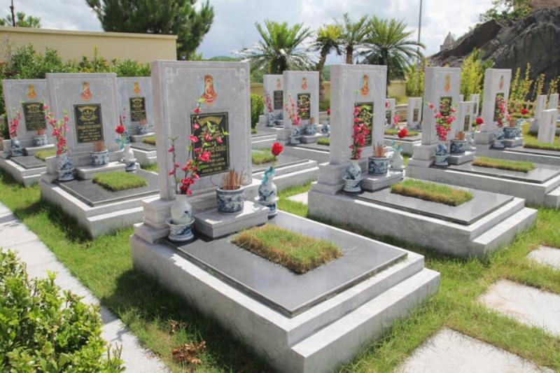 Chiêm bao thấy trong nghĩa địa có nhiều gà hãy chọn ngay cặp số đề 05 - 13